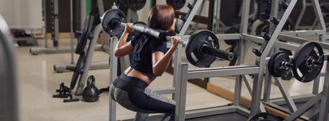 Barbells Vs. Machines for Maximum Muscle Building