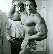 Bodybuilder Arnold Schwarzenegger arm training routine