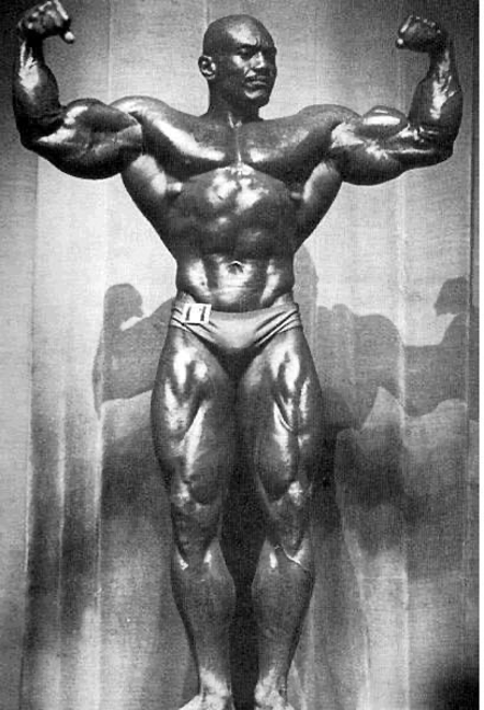 Bodybuilder Sergio Oliva 1972 weighing 240 pounds: the greatest of all time. The Brother from another planet.
